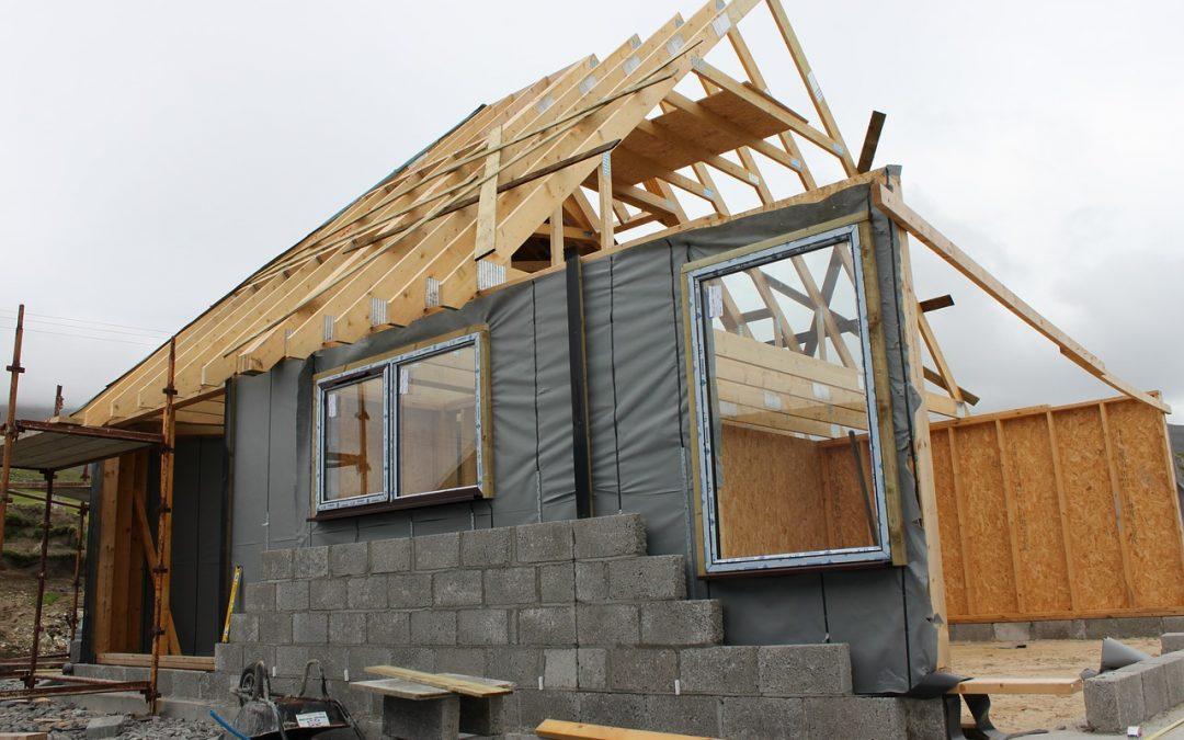 Dlaczego warto zatrudnić kierownika budowy spoza firmy budującej Twój dom?